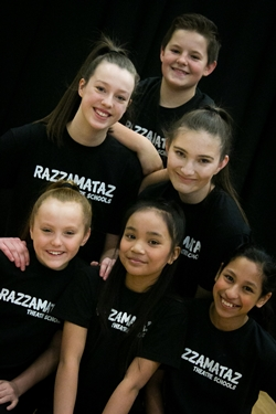 Razzamataz Theatre Schools Rewarded 5 Star Satisfaction for Second Consecutive Year